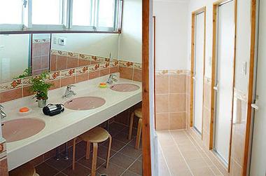 シャワートイレ&洗面台